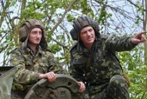 Из плена террористов вернулось пятеро танкистов