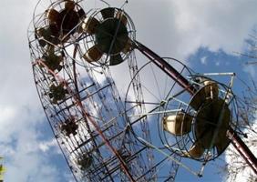 В Херсоне сломалось колесо обозрения, - застрявшая наверху женщина вызвала полицию