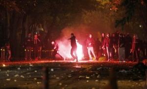 Афины погрязли в массовых столкновениях демонстрантов с полицией