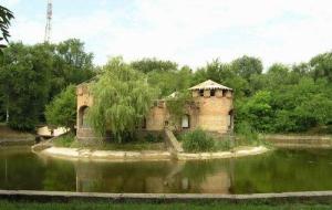 Одесские спасатели выловили труп из паркового пруда