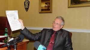 Депутат, возглавляющий земельную комиссию Николаевского горсовета, проиграл судебную тяжбу газете облсовета