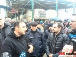 Начальник одесской полиции предотвратил конфликт на 7-м километре