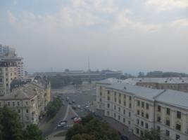 Дым от пожара в Киеве перешел в соседние области
