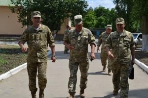 Командующий ВМС Украины остался доволен визитом в расположение николаевских морпехов