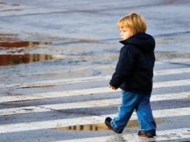 В Херсоне автомобиль сбил двухлетнего ребенка