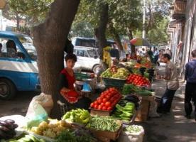 В Одессе по всему городу сносят незаконные торговые точки