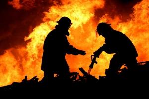В Еланецком районе пожарники спасли здание от полного уничтожения