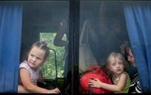 Из-за бюрократических проволочек в Украину не могут вернуться дети-сироты, выехавшие в 2014 году