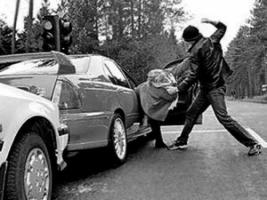В Черкасской области троих одесситов избили, связали и лишили автомобиля