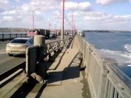 Николаевский горсовет решил не экономить на уборке мостов, выбрав фирму депутата