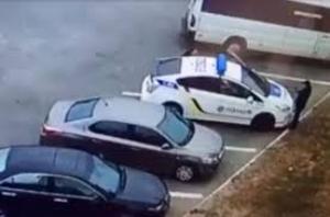 Опубликовано видео с места убийства полицейских в Днепре