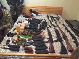 СБУ изъяла арсенал оружия в группы, готовившей убийство Авакова (ФОТО, ВИДЕО)