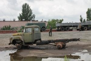 Николаевские военные приняли 1000 единиц раскуроченной и убитой техники из Крыма
