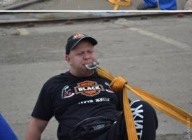 Под Одессой силач побил рекорд Гиннесcа с помощью зубов