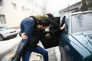 В Николаеве неизвестный похитил и изнасиловал женщину