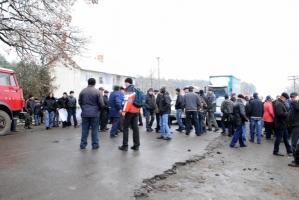На Херсонщине перекрыли трассу в знак протеста против рейдерского захвата сельхозпредприятия