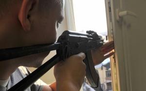 Житель Херсона из своего окна стрелял в прохожих: ранены двое