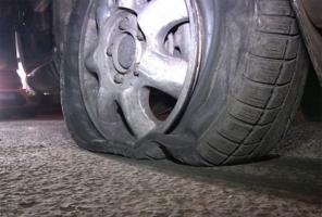 На Николаевщине неизвестный водитель пытался наехать на правоохранителей – те открыли стрельбу по колесам