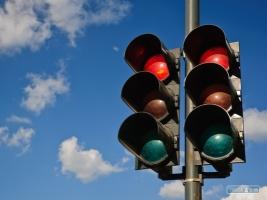 Из бюджета Херсона хотят заплатить за ремонт двух светофоров в 10,8 раза больше, чем стоит новая техника