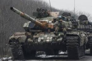 На Донбассе боевики накапливают бронетехнику на нескольких направлениях