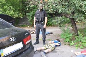 В Николаеве спецназ задержал банду автоугонщиков, вооруженных гранатами (ФОТО)