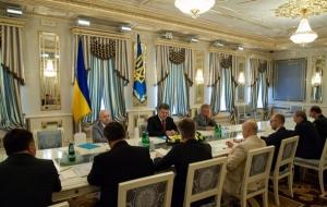 Порошенко провел совещание с руководителями силовых ведомств страны: «главное, что сейчас нужно людям, - это безопасность»