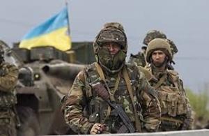Николаевские десантники на одной из удерживаемых ими высот возвели памятник погибшим украинским бойцам