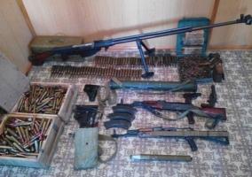 СБУ нашла тайник с оружием террористов