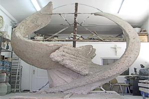 Николаевский памятник «Небесной сотни» уже в глине