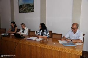В Николаеве на должность директора КП по питанию детей претендуют 3 киевлянина