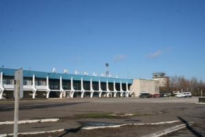 Аэропорт «Николаев» должен облэнерго более 5 млн. грн. за электричество и не спешит погасить долг