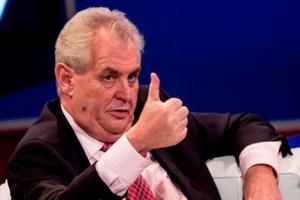 НАТО должно ввести войска в Украину - Президент Чехии