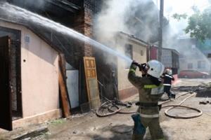 Пожар в центре Одессы: спасатели вывели из огня и дыма более 30 человек