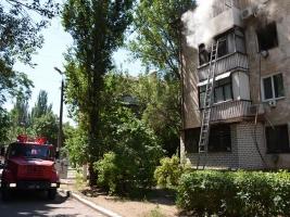 В Николаеве из горящей квартиры эвакуировали четырех человек