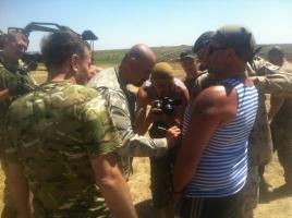 Военнослужащим 79-й аэромобильной бригады передали посылки из дома