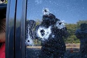 Вблизи Станицы Луганской боевики обстреляли маршрутку и автомобили