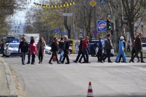 Херсонские торговцы, протестующие против ликвидации стихийного рынка, перекрывали центральную улицу города
