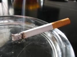 Каждое четвертое кафе в Одессе нарушает запрет на курение в общественных местах