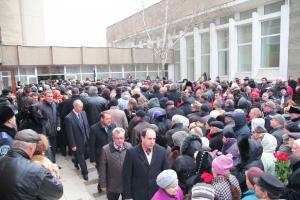 Николаев прощается с мэром Владимиром Чайкой