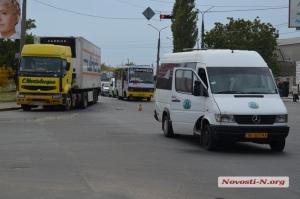 ДТП в Николаеве: тягач «Renault» врезался в маршрутку