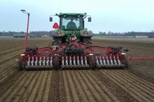 У херсонских аграриев - проблемы из-за жары и засухи