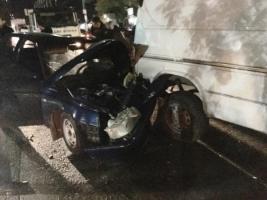 В центре Херсона произошло крупное ДТП. Водителя зажало в покореженном авто