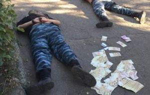 В Славянске задержали четырех правоохранителей за содействие наркоторговцам