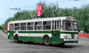 Мэр Херсона выклянчивает у Кличко старые троллейбусы