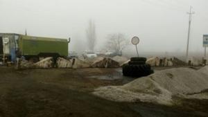 Жители Нового Буга продолжают блокировать автодорогу «Николаев-Днепропетровск»