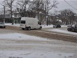 На очистку и посыпку смесью николаевских дорог зимой потратят 3,1 млн. грн.