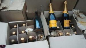 Одесские полицейские уничтожили шампанское стоимостью 10 млн.грн.