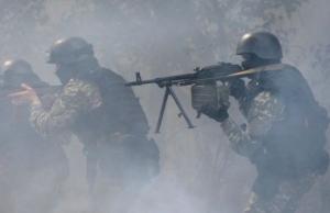 200 террористов пытаются прорваться в направлении населенного пункта Васильевка через позиции сил АТО