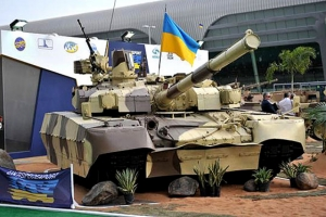 Боевики перекрашивают украинские танки