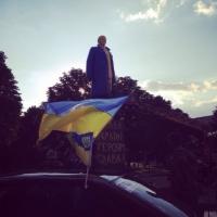 В Донецкой области разрисовали памятник Ленину в цвета  флага Украины